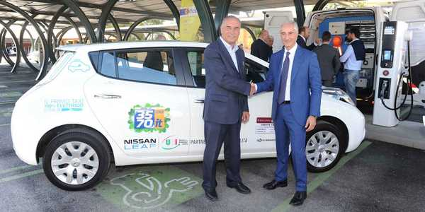 taxi_elettrici_nissan_roma.jpg.pagespeed.ce.vClc3vyJJe