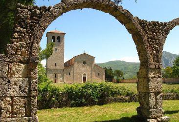 Abbazia di San Vincenzo al Volturno - Bryan - cc by sa 2.0
