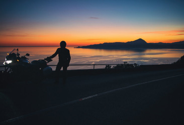 moto tramonto